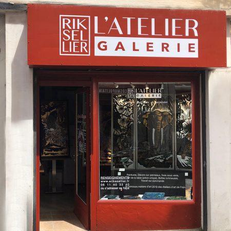 atelier d'Erika SELLIER, artiste peintre sur verre
